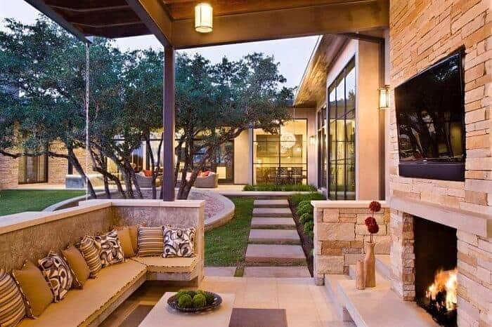 A Modern Outdoor Living Room