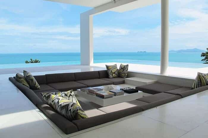 Outdoor Lounge With Sunken Seating